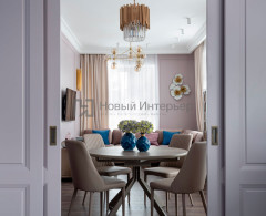 Трехкомнатная квартира в Москве с воздушно-пудровыми стенами. Дизайнер проекта Екатерина Ляпина.